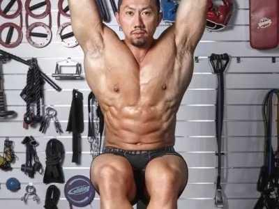 """巨石强森鹿晨辉合影 怎奈七年""""戴老三"""""""