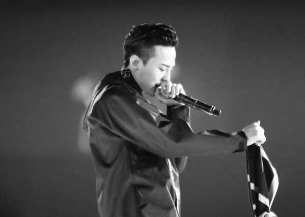 iu李智恩权志龙 IU李智恩新专辑邀请GD权志龙参与feat