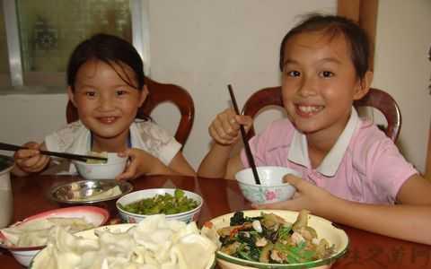 小学生午餐菜谱 小学生一天营养食谱