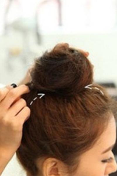 短发丸子头教程 中短发丸子头怎么扎