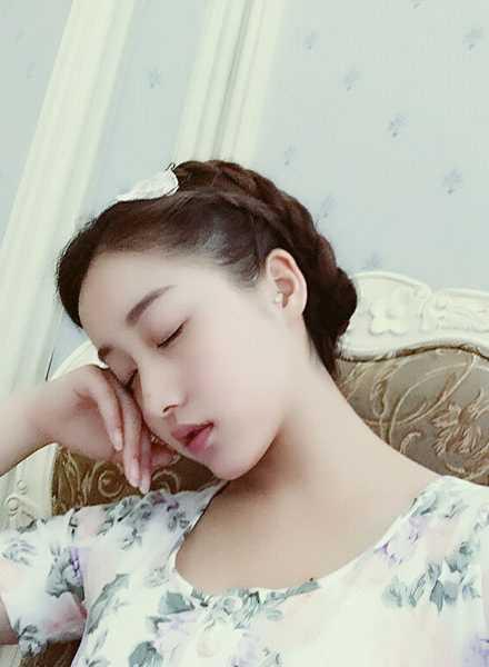刘垚昕上课最新照片 中戏18岁美女学霸刘昕私照图集手机图片