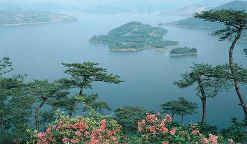 沃洲湖是新昌三大省级风景名胜区之一.