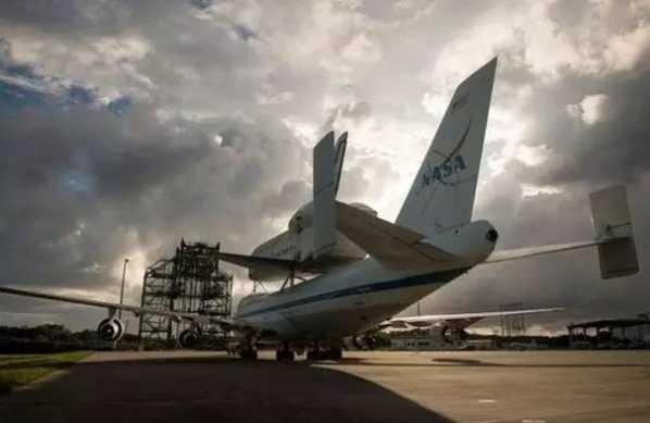 波音是什么飞机 那些历史上骨骼惊奇的波音飞机是干什么用的