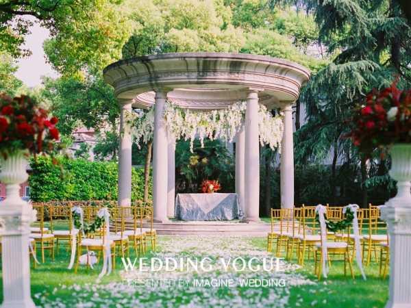 别墅泳池:太原上海婚礼别墅绕地点着图片