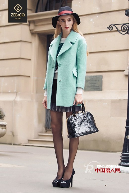 35岁女人服装搭配_适合30岁女人的服装 哪个品牌衣服适合30岁女人穿 - YY个性网