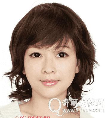 首页 女性 美容      中年女人短发发型图片,人一到中年头发会逐渐变