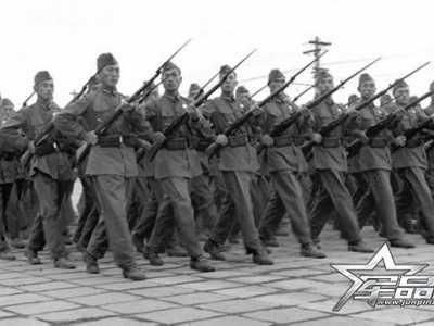 美军船型帽和苏军船帽 解放军55式船帽与苏军船帽详细对比