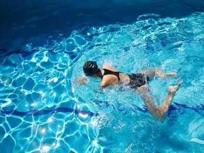 如何游蛙泳减肥 内附高效减脂游泳方法