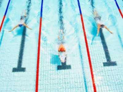 哪个泳姿最能塑形 夏季游泳一边燃脂一边塑形